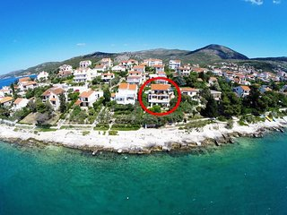 Two bedroom apartment Seget Vranjica (Trogir) (A-941-a)