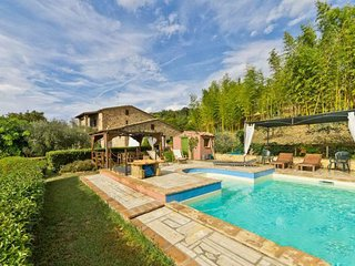 B&B in ancient stone farmhouse with pool in Umbria