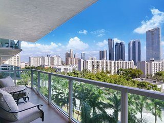 2BR Luxury condo Sunny Isles. PET FRIENDLY
