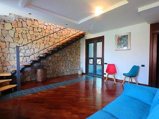 Graziosa casa 5 posti letto con vasca jacuzzi