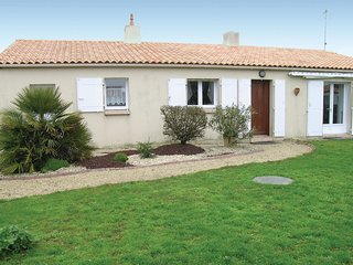 3 bedroom Villa in Vaire, Pays de la Loire, France - 5624399