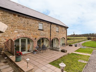 GRANARY BARN, WiFi, En-suite, Kibblesworth