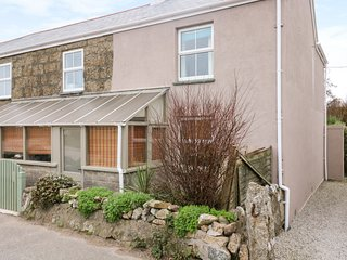 SMITHY COTTAGE, Area of Outstanding Natural Beauty, traditional cottage