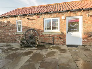 WHEEL WRIGHTS COTTAGE, single storey cottage with double bedroom, open plan