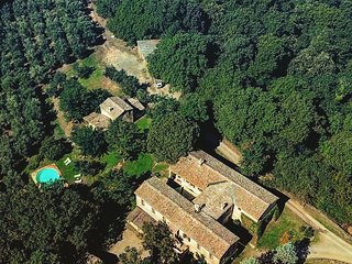 Borgo Castelrotto - Luxury farnahouse for 16 guests - Perfect Tuscan holiday