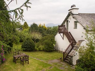 Hawkshead Hideaway: Self Catering Holiday Cottage (Sleeps 2) with Wi-Fi