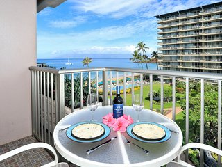 Ocean View Studio Condo with views of Black Rock,  pool and inner courtyard