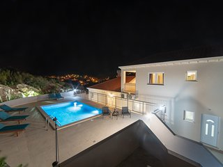 BRAND NEW! Totally private Villa with pool and terraces close to the sea