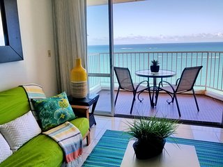 Beachfront ★ Best Location of Isla Verde ★ Walk Everywhere ★ Marbella del Caribe