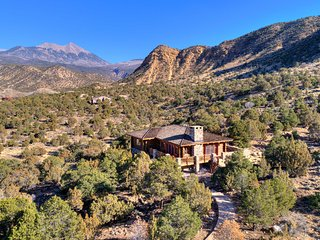 Home in La Sal Mtns Cooler Climate- 15 Min to Moab