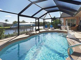 SWFL Rentals - Villa Joan - Beautiful 3 Bedroom, 2 Bath Gulf Access Home