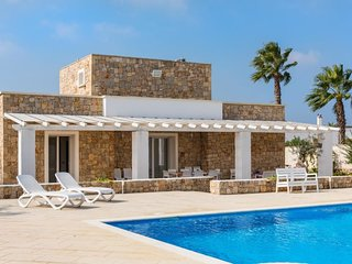 4 bedroom Villa in , Apulia, Italy - 5633940