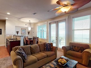 Dog-friendly bay view condo w/shared resort pool & hot tub - near the beach!