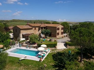 2 bedroom Apartment in San Quirico d'Orcia, Tuscany, Italy : ref 5239927