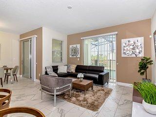 Luxury 4 Bedroom home (8933 SD)