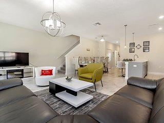 Luxury 5 Bedroom home (8978 SD)