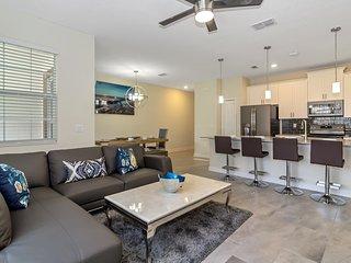 Luxury 4 Bedroom home (1557 SB)