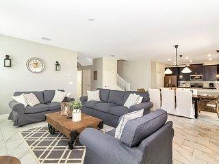Luxury 6 Bedroom home (8905 SD)