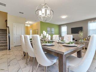 Luxury 6 Bedroom home (1537 MC)