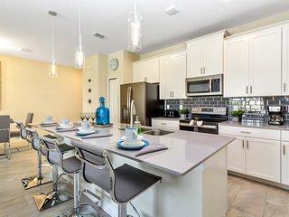 Luxury 4 Bedroom home (8989 SD)