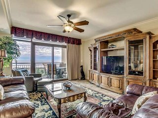 Beautiful 4th Floor Oceanfront Condo in North Beach Plantation