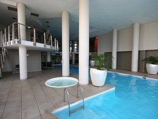 Spacious apartment in Cape Town with Lift, Parking, Internet, Washing machine