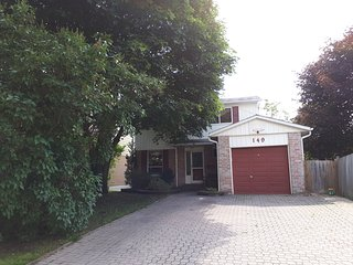 NEWMARKET - 30 minutes north of Toronto near Ontario's vacationland!