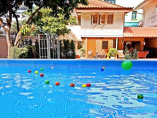 Family Holiday Home / Pool / Garden / Restaurant / Central Bangkok