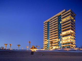 Casa 603- Newest Condo at Tessoro Luxury Resort at Las Conchas