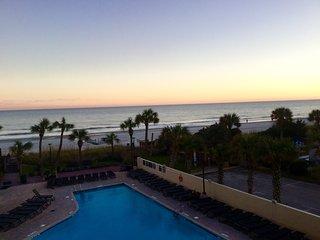 Low Winter Rates! 3 bedroom angled oceanfront suite at popular Ocean Reef Resort