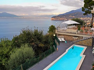 Villa Giada with Swimming Pool, Garden, Sea View and Parking