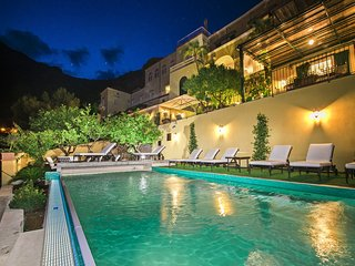 Villa Mimosa with Private Pool, Sea View, Air Conditioning, Positano Center