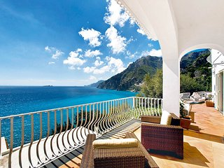 Villa Le Sirene with private Pool, Sea View, Air Conditioning and Breakfast