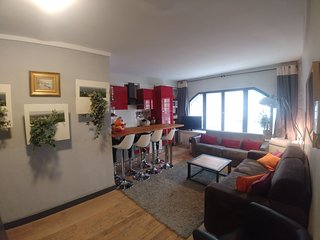Very Central, Nice&Large flat 3 bedrooms & 2 bathrooms for 8 people