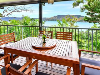 Heliconia 10 Newly Renovated Centrally Located House Hamilton Island