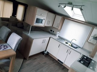 2 Bed 4 Berth Prestige Holiday Home, Seawick Holiday Village, pets welcome