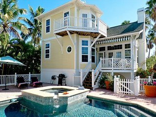 Coconut Bayou - a gem with heated pool on a fantastic location in Anna Maria