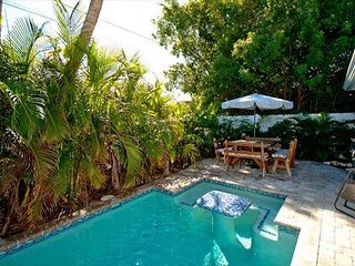 Egret's Landing - A private pool home, only minutes to the beach!