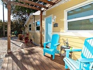 The Beach House on Longboat Key - FANTASTIC LOCATION!