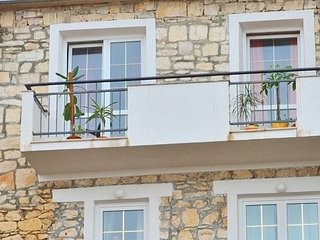 Two bedroom apartment Sutivan (Brac) (A-16236-a)