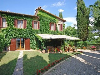 San Gimignano 6 bedroom villa with pool