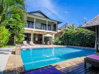 Canggu area//3 Bedroomvilla//Quiet area//Big swimmingpool//hotelsevice