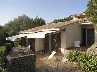 Mini villa dans propriete de 2500 m2