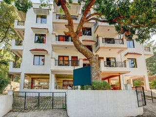 Well appointed 2 BR apartment with shared pool view