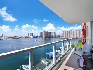 Breathtaking View ! 2BD Modern Condo w Balcony