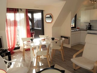 2 bedroom Apartment in Deauville, Normandy, France - 5703655