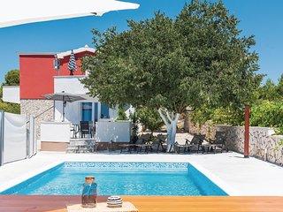 4 bedroom Villa in Vodice, Sibensko-Kninska Zupanija, Croatia - 5714652