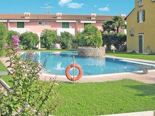 1 bedroom Apartment in Lazise, Veneto, Italy : ref 5702505