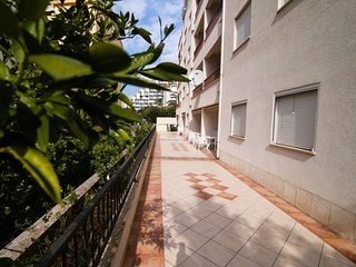 1 bedroom Apartment with Air Con, WiFi and Walk to Beach & Shops - 5584090