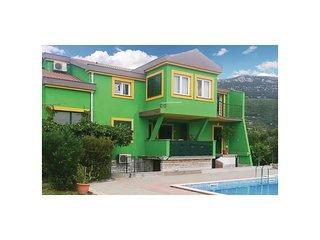 3 bedroom Apartment in Novi Stafilić, Splitsko-Dalmatinska Županija, Croatia : r